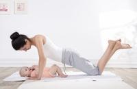 plaski-brzuch-po-porodzie-cwiczeni